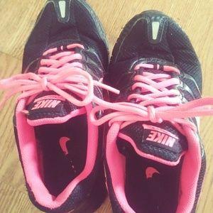 huge discount cf2d7 3f8d0 Nike. Women s 7.5 Nike air max torch 4 Running shoes.  40  80